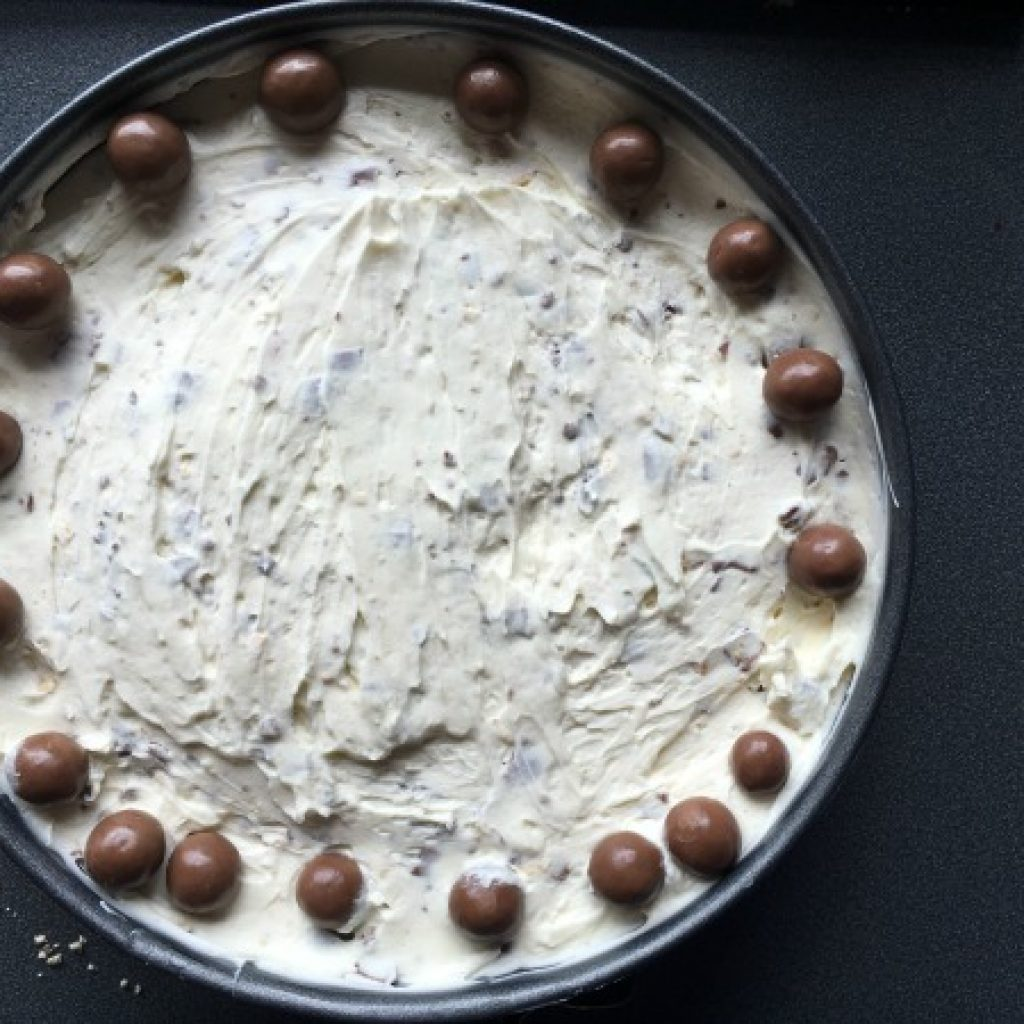 Cooking with Kids: No Bake Maltesers Cheesecake