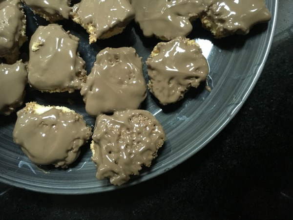 My Little Chef: Chocolate Coconut Macaroons
