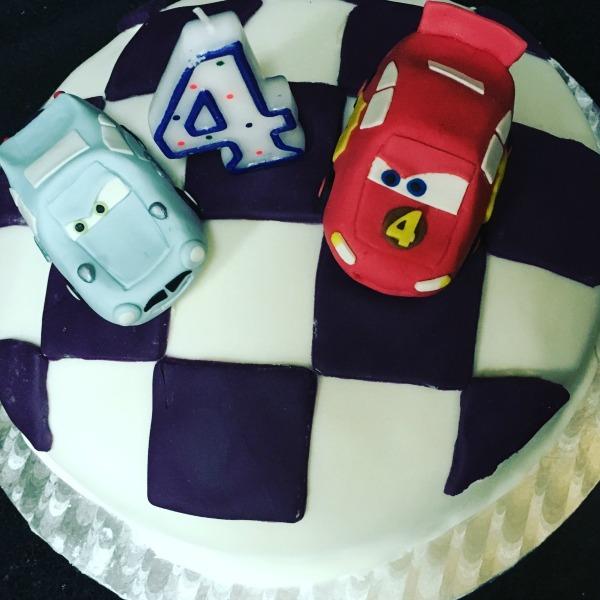 birthday cake lightning mcqueen