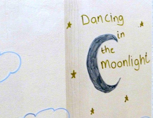 Dancing in the moonlight #MarkWarnerMum