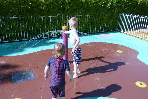 Peppa Pig World Paultons Park Muddy Puddles Splash Park Review